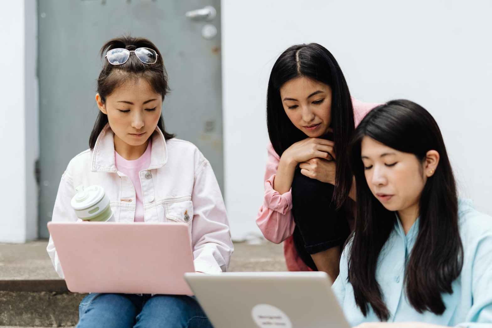 woman women internet computer